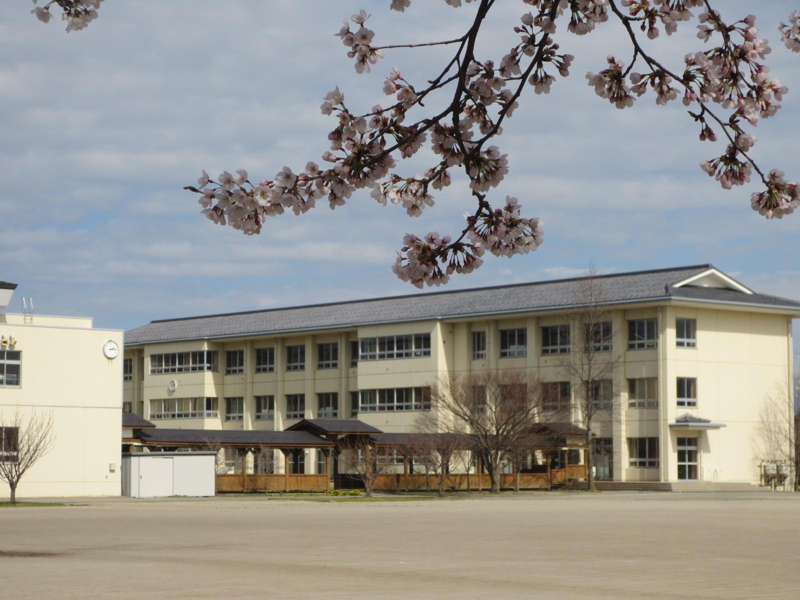 新発田市立猿橋小学校 | ともにきらきらかがやこう